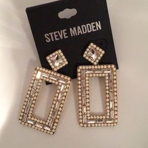 Magnificent Steve Madden Earrings Baguettes Pearls
